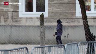 Video «Im Niemandsland auf der Balkan-Route» abspielen