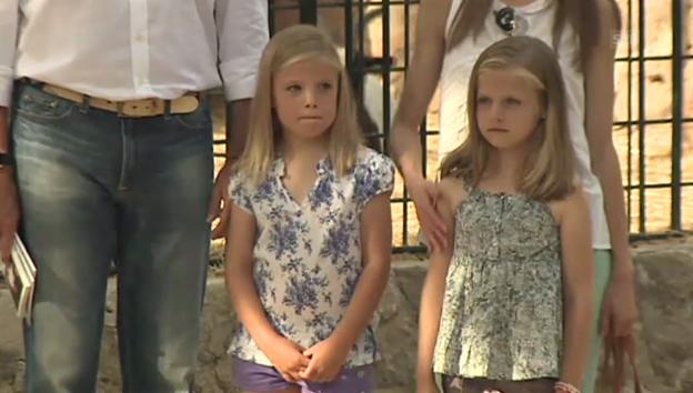 Video «Felipe und Letizia mit ihren Töchtern Leonor und Sofía» abspielen