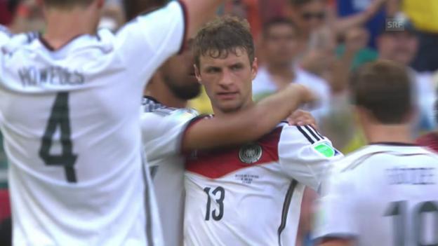 Video «Fussball: WM 2014: Thomas Müllers Tore gegen Portugal» abspielen