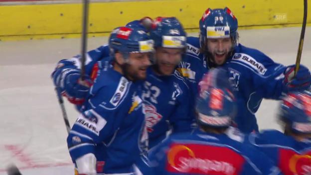 Video «Eishockey: Morris Trachslers Treffer im 3. Finalspiel» abspielen