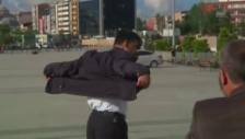 Video «Die Sekunden nach dem Angriff (unkomm.)» abspielen