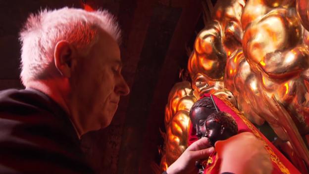 Video «Die Erotik der schwarzen Madonna» abspielen