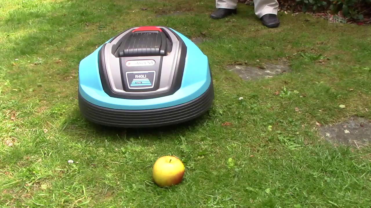 Rasenroboter im Crashtest: Der kleine Igel