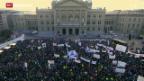 Video «Bauern demonstrieren in Bern gegen Kürzungen» abspielen