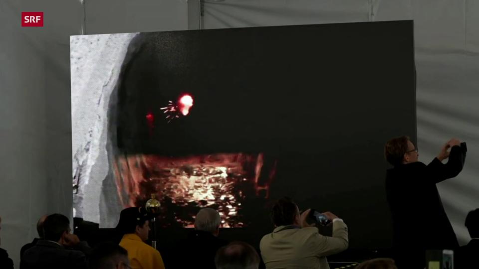 Symbolische Sprengung markiert Baustart der zweiten Gotthardröhre