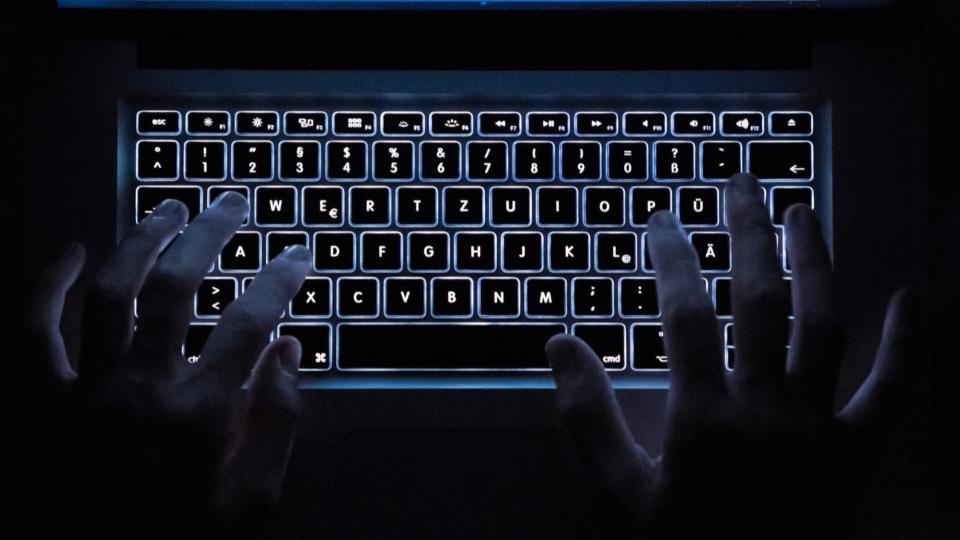 SRF-Digitalredaktor Reto Widmer zum Hackerangriff
