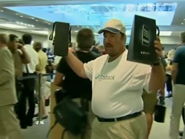 Video ««Tag 1»: Verkaufsstart in Amerika am 29.6.2007» abspielen