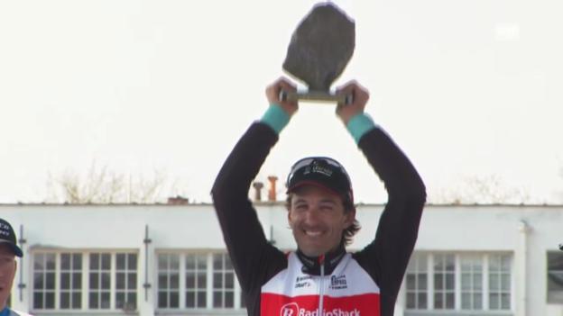 Video «Siegerehrung mit Cancellara» abspielen