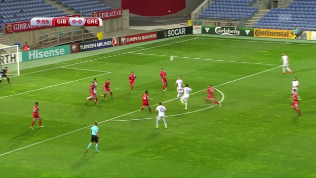 Video «Mitroglou trifft volley aus der Distanz» abspielen