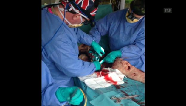 Video «Chirurgen üben am Körpersimulator» abspielen