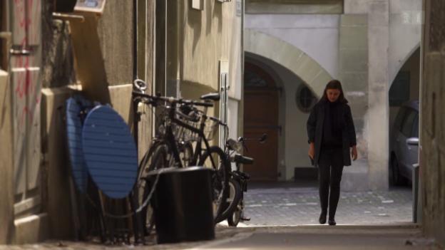 Video «Meral Kureyshis Leben als Flüchtlingskind in der Schweiz» abspielen