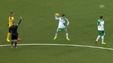 Video «St. Gallens Haggui schiesst Mitspieler Gelmi ab» abspielen