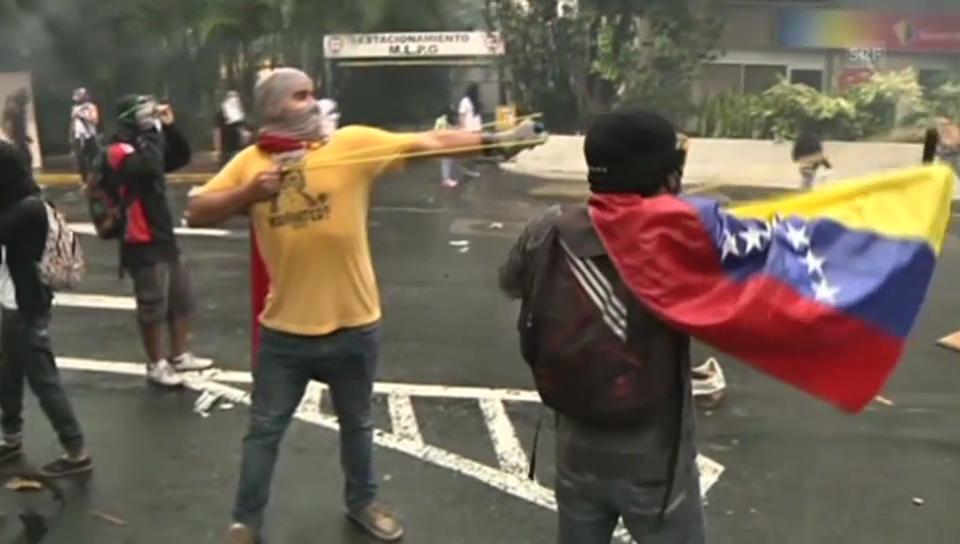 Schwere Krawalle in Caracas