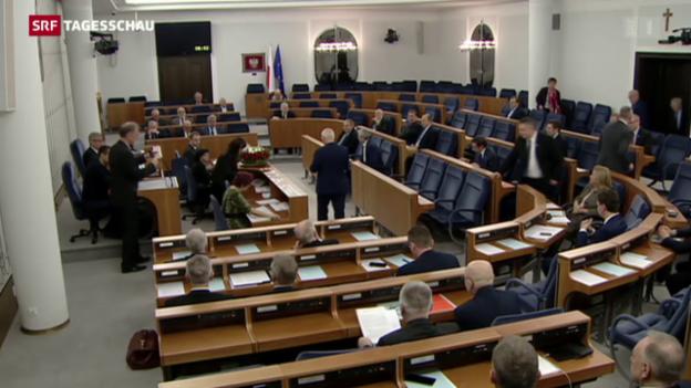 Video «Polen Parlament beschliesst umstrittene Medienreform» abspielen