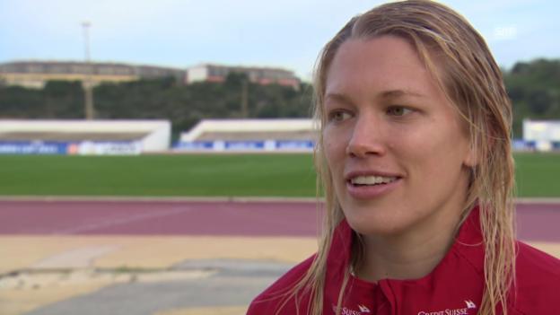 Video «Fussball: Algarve Cup, Schweiz - Island, Interview mit Lara Dickenmann» abspielen