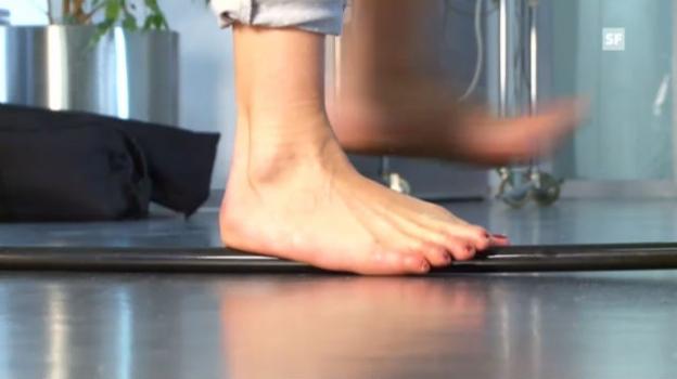 Video «So trimmen Sie Ihre Füsse fit» abspielen