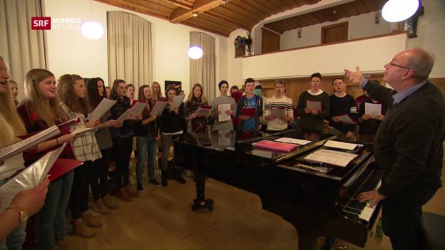 Video «Schülerchor singt für Skicracks» abspielen