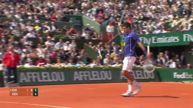 Video «Satzbälle und Matchball Djokovic - Kohlschreiber» abspielen