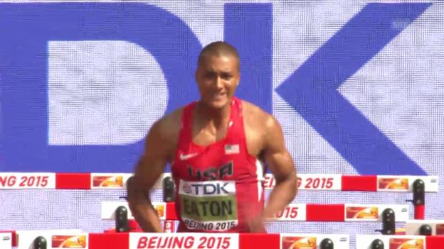 Video «Leichtathletik: WM 2015 in Peking, Zehnkampf der Männer nach 8 von 10 Disziplinen» abspielen