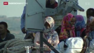 Video «Flüchtlingsboot vor Kentern bewahrt» abspielen