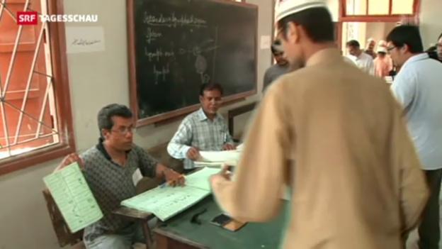 Video «Hohe Wahlbeteiligung in Pakistan trotz Gewalt» abspielen