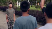 Video «Drill gegen Handysucht: Reportage aus dem Bootcamp («Einstein» vom 10.12.2015)» abspielen