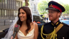 Video «Harry und Meghan-Doppelgänger sorgen in London für Aufregung» abspielen