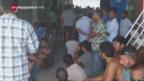 Video «Polizei räumt australisches Flüchtlingslager in Manus» abspielen
