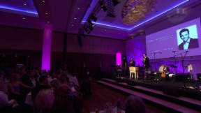 Video «Pink Ribbon Night» abspielen
