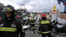 Link öffnet eine Lightbox. Video Feuerwehr versucht Opfer zu bergen abspielen