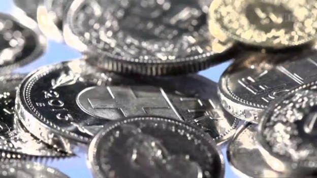 Video «Privatkonti im Vergleich: Banken zocken Kleinsparer ab» abspielen