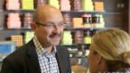 Video «Sepp Fässler begrüsst Myriam bei Sprüngli» abspielen