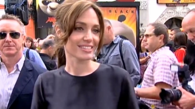 Video «Angelina Jolie in Redelaune» abspielen