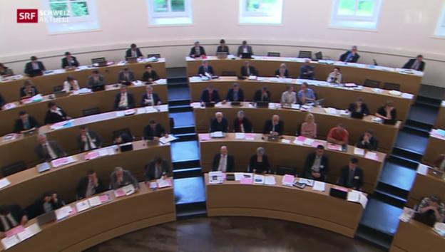 Video «Aargauer Grossrat beschliesst Grosszentern für Asyl-Bewerber» abspielen