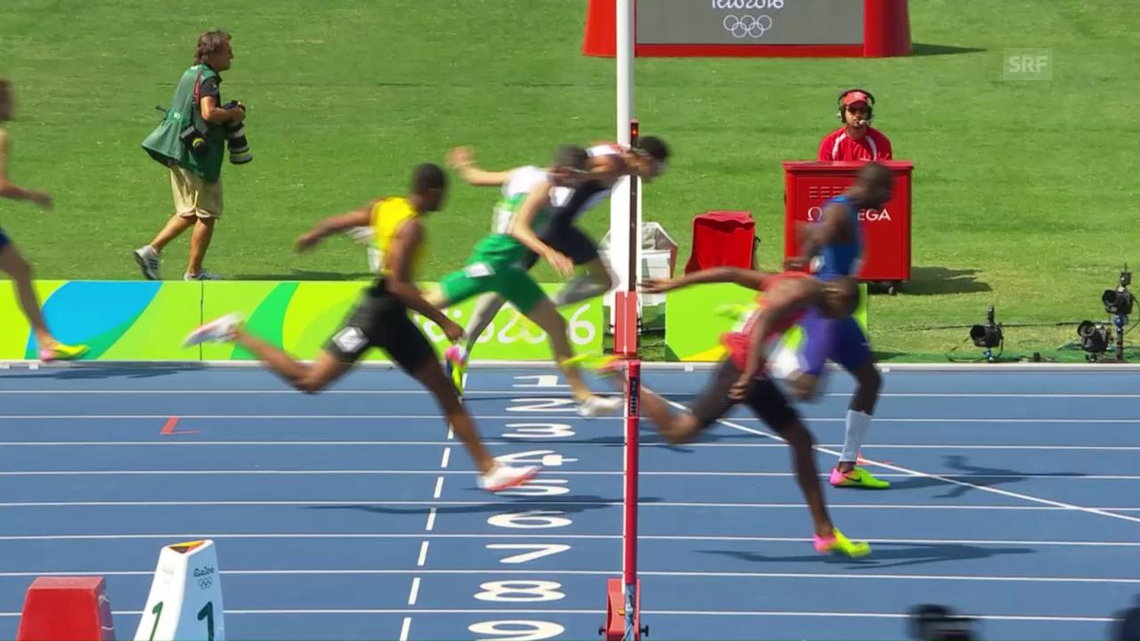 Der Amerikaner Clement holt Gold über 400m Hürden