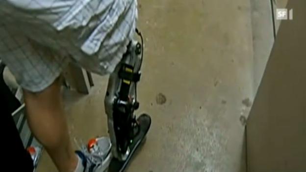 Video «103 Stockwerke mit Beinprothese» abspielen