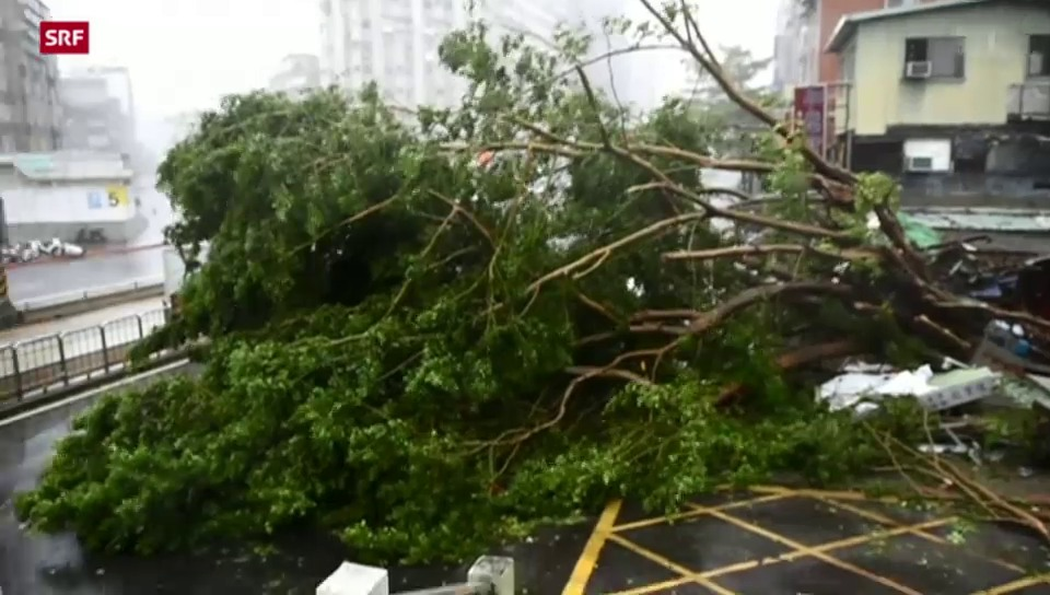 Heftiger Taifun wütet in Taiwan