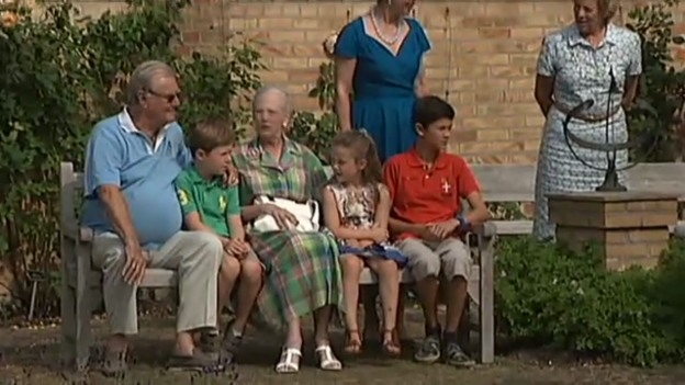 Video «Dänische Royals in den Sommerferien (unkom. Video)» abspielen