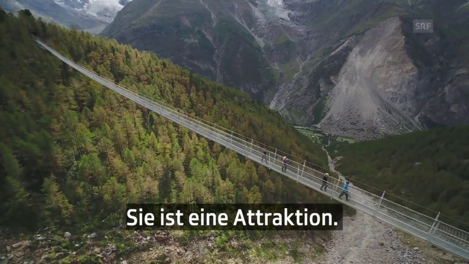 Auf der längsten Hängebrücke