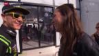 Video «Motorrad: Aegerter und sein neues Grid-Girl» abspielen