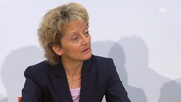 Video «Widmer-Schlumpf: Bewilligungen für Banken werden nicht geheim bleiben» abspielen