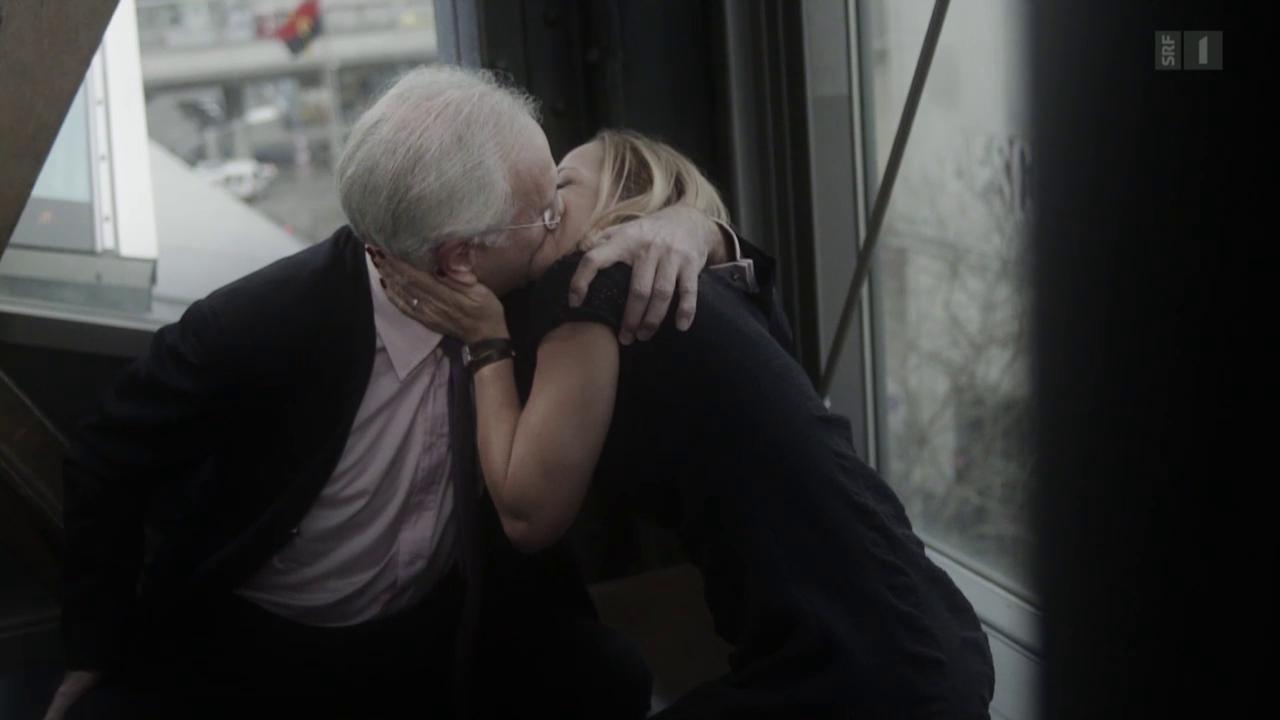 Harald Schmidt küsst Schauspielerin Susanne-Marie Wrage