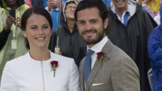 Video «Eine Hochzeit ohne Geschenke. Die Royals verzichten darauf» abspielen