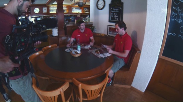 Video «Das Quiz mit den Langnauern Stettler und Berger» abspielen