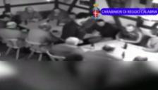 Video «Überwachungsvideo zeigt Mafia-Tagung» abspielen