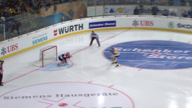 Video «Eishockey: Spengler Cup, Davos-Jekaterinburg, Penalty Alexandre Picard» abspielen