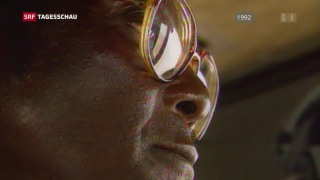 Video «Simbabwes Präsident Mugabe tritt zurück» abspielen