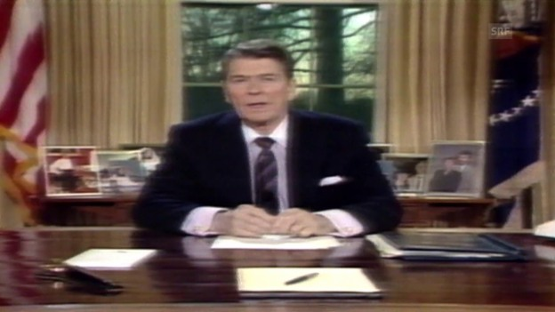 Video «Ronald Reagans Rede an die Nation» abspielen