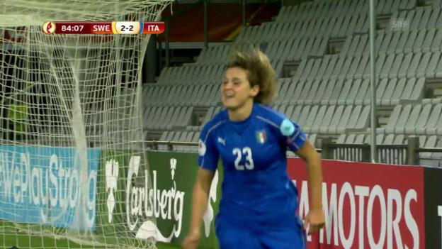 Video «Italien schlägt Schweden in spektakulärem Spiel» abspielen