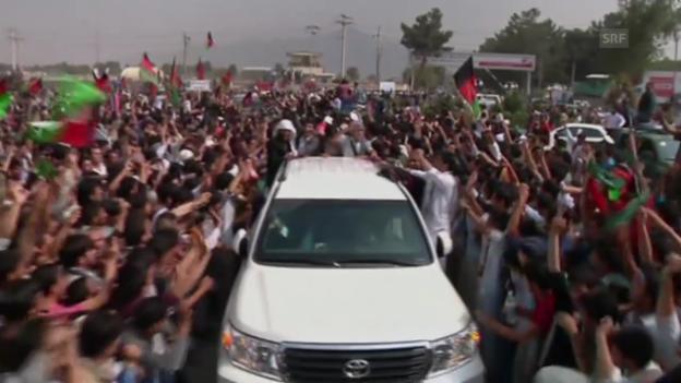 Video «Afghanistans Nationalmannschaft wird in Kabul empfangen und gefeiert» abspielen